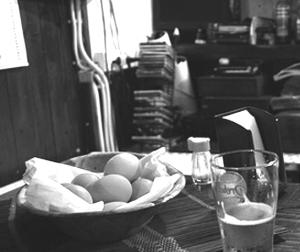 Uova sode sul bancone